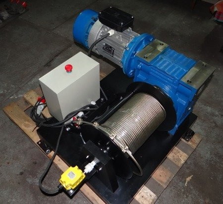 28875127 Elektryczna wciągarka linowa (siła uciągu: 1000kg, długość liny: 50m, moc: 3,0kW 500V)