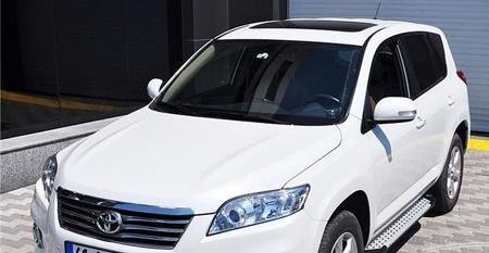 Stopnie boczne - Toyota Rav4 2006-2012 (długość: 161-167 cm) 01656080
