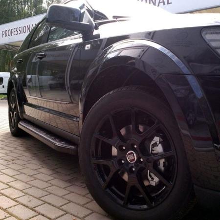 Stopnie boczne, czarne - Land Rover Discovery 3 (długość: 182 cm) 01655925
